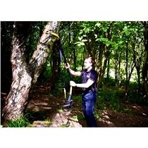 TRX_vybaveni pro fnukcni trenink_trenink venku o strom